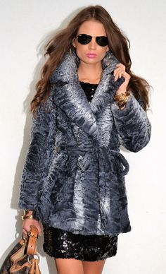 Shearling Coat, Fur Coat, Fur Accessories, Fabulous Furs, Fox Fur, Fur Jacket, Jackets For Women, Winter Jackets, Coats