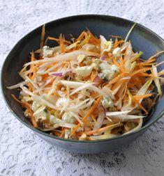 Coleslaw aux endives, noix et roquefort