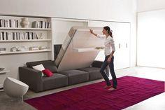 Lit escamotable très pratique, facilement relevable. Pour une solution d'appoint de couchage ou un appartement manquant de place. #lit #escamotable