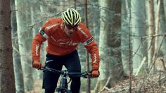 This is pure fun! World Cup winner Sepp Freiburghaus with the Thömus Lightrider Enjoy the power, speed and nature. Test the now! Information is available at info or at World Cup Winners, Pure Fun, Mtb, Mountain Biking, Motorcycle Jacket, Pure Products, Nature, Freiburg, Naturaleza