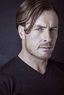 Toby Stephens anyone? Inspector Lewis, George Custer, Captain Flint, Robinson Family, Toby Stephens, Maggie Smith, Black Sails, Lost In Space, Celebrity Portraits