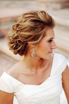 Mother Of the Bride Hairstyles for Medium Hair Beautiful Mother Groom Hairstyles for Wedding Mother the Bride Updo Updos For Medium Length Hair, Mid Length Hair, Short Hair Updo, Short Wedding Hair, Wedding Hair And Makeup, Medium Hair Styles, Curly Hair Styles, Trendy Wedding, Updo Curly