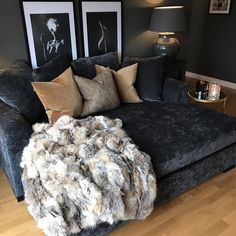 Most comfortable and cozy living room ideas - March 24 2019 at Cozy Living Rooms, Apartment Living, Home And Living, Living Room Furniture, Living Room Decor, Simple Living, Dining Room, Rustic Apartment, Bedroom Apartment