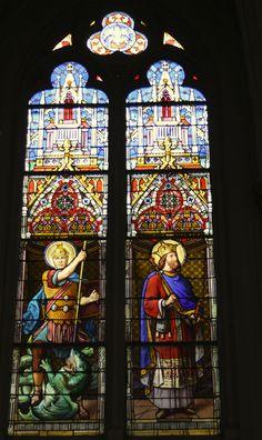 Katholische Kirche Saint-Gratien in Saint-Gratien, Val-d'Oise in der Region Île-de-France (Frankreich), Bleiglasfenster im Chor von den Gebrüdern Haussaire (Reims), hl. Georg