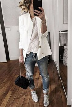 white blazer is everything in this outfit