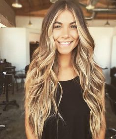 Are you familiar with Balayage hair? Balayage is a French word which means to sweep or paint. It is a sun kissed natural looking hair color that gives your hair . Glamorous Hair, Brown Blonde Hair, Grown Out Blonde Hair, Brown Hair With Blonde Balayage, Fall Blonde, Blonde Bangs, Blonde Brunette, Great Hair, Awesome Hair