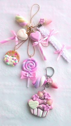 Arts And Crafts Movement Code: 4985863254 Cute Polymer Clay, Cute Clay, Fimo Clay, Polymer Clay Projects, Polymer Clay Charms, Polymer Clay Creations, Polymer Clay Jewelry, Clay Beads, Clay Earrings