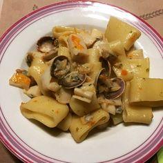 Buon appetito 😋 #cena #dinner #dinnertime #buonappetito #gooddinner #food #foodporn #bellezzaprecaria #kitchen #cucina #pesce  #foodlover