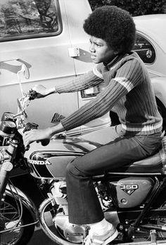 Michael Jackson sur sa Honda 350, 1972