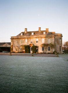 Babington House in Somerset, England English Manor Houses, English House, Palaces, Beautiful Buildings, Beautiful Homes, Beautiful Interiors, Simply Beautiful, Beautiful Places, Babington House