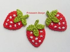 Made of cute appliques from crochet work, I liked most birds and mushrooms . link Made of cute appliques from crochet work, I liked most birds and mushrooms . Crochet Strawberry, Crochet Fruit, Crochet Food, Crochet Flowers, Freeform Crochet, Crochet Motif, Knit Crochet, Crochet Patterns, Crochet Flats