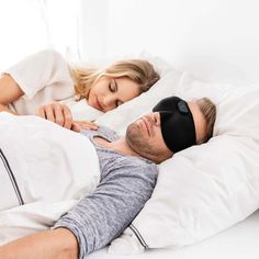 Does your partners snoring keep you awake? Then the Beurer Snore Mask SL 60 is what they need 😴 The comfortable sleep mask detects snoring in real time and stops it with gentle vibration pulses. Mouth Guard, At A Glance, Snoring, Sleep Mask, Fitness Tracker, Indie Brands, Night Time, Technology, Yearly