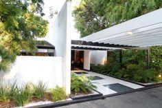 Ellen DeGeneres sold her home for $15m to sean Parker