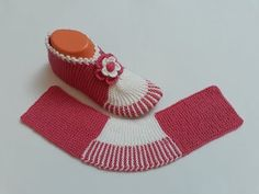 Dowry Haraşo Booties Model Knitted with Two Skewers - Narrated Construction . Baby Knitting Patterns, Knitting Designs, Doll Patterns, Booties Crochet, Baby Booties, Tunisian Crochet, Knit Crochet, Knit Boots, Point Lace