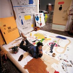 The Unknown Notebooks of Jean-Michel Basquiat. Jean-Michel Basquiat, in his New York studio (all portraits in the story are previously unpublished). Jm Basquiat, Basquiat Artist, Jean Michel Basquiat Art, Atelier Photo, Dance Project, Robert Rauschenberg, Jasper Johns, Keith Haring, Fine Art
