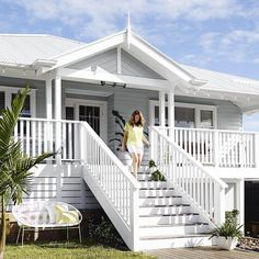 Exterior Stairs Design Architecture Front Porches 39 Ideas For 2019 Exterior Paint Colors For House, Paint Colors For Home, Exterior Colors, Dulux Paint Colours Grey Exterior, House Exterior Color Schemes, Beach Cottage Style, Coastal Cottage, Coastal Decor, Beach Cottage Exterior