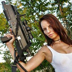 Laser combat's lady experiencia genial con mi fotógrafo Miguel Ferrero siempre con una visión diferente del mundo más positivo, alegre y sexy