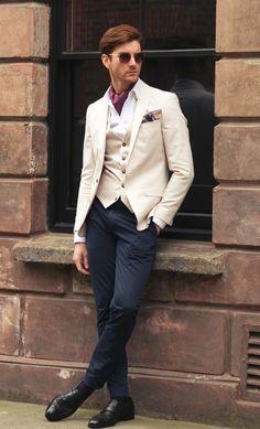 CASSIAN Woven Silk Cravat #cravat #ascot #tie #ascottie #weddingcravat #suit #mensstyle #silk #madeinuk #british #buybritish #madeinengland #menswear #style #accessories #accessory #dapper #wedding #groomswear #groom #weddings #weddingideas #ideas #red #pink #wovensilk #spring #summer #sunglasses