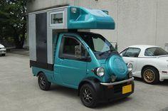 A micro camper. Tiny Camper, Small Campers, Camper Caravan, Cool Campers, Motorcycle Camping, Camping Gear, Motorcycle Trailer, Kangoo Camper, Kombi Motorhome