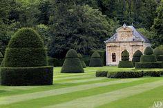 Valentino Garavani's Asian-Inspired Château Near Paris | A pavilion containing a shell grotto