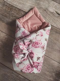 Luxury pólya - Őzike bazsarózsával, bársonnyal - Peekabooshop.hu Peek A Boos, Gift Wrapping, Luxury, Gifts, Products, Gift Wrapping Paper, Presents, Wrapping Gifts, Favors