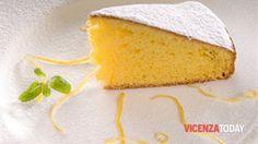 La Torta Margherita è una di quelle torte facilissime da preparare e di sicura riuscita. E' morbida, gustosa e ideale da farcire è anche una base perfetta per preparare una torta decorata in pasta di zucchero