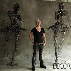 Regardt van der meulen produz esculturas de aço inspiradas no medo. Leia mais: www.revistadecor.com.br