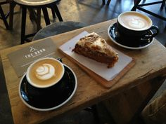 The Barn (Auguststrasse 58, Berlin, 10119, Deutschland.) Coffee and carrot cake