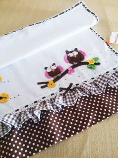 Dish Towels, Tea Towels, Kitchen Towels, Cool Kitchens, Pot Holders, Machine Embroidery, Diy And Crafts, Projects To Try, Patches