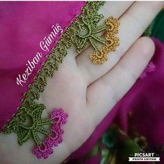 #iğneoyasıhavlukenarı #iğneoyaları #iğneoyasımodellerioyasıhazırlıkları #tığişi #tığoyasi #yazmaörnekleri #yazma #yemenioyası#iğne… Crochet Lace Edging, Filet Crochet, Knit Crochet, Piercings, Moda Emo, Baby Knitting Patterns, Elsa, Diy And Crafts, Embroidery