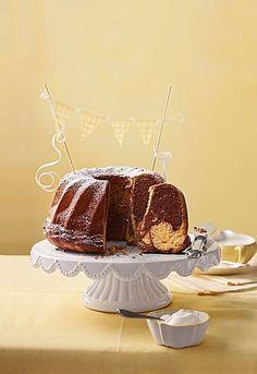 Marmorkuchen nach Frieda - klassische Art, ein schmackhaftes Rezept mit Bild aus der Kategorie Kuchen. 2.010 Bewertungen: Ø 4,7. Tags: Backen, Deutschland, Europa, Kuchen