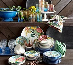 Like a beautiful floral centerpiece, this dinnerware brings the sights of spring and the fresh color palette of the season to your table! - Home Decor Idea Pottery Barn, Floral Centerpieces, The Fresh, Tablescapes, Dinnerware, Table Settings, Sweet Home, Dishes, Table Decorations