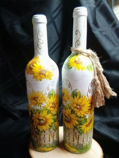 1 million+ Stunning Free Images to Use Anywhere Recycled Glass Bottles, Glass Bottle Crafts, Wine Bottle Art, Painted Wine Bottles, Lighted Wine Bottles, Diy Bottle, Mason Jar Crafts, Mason Jar Diy, Decoupage Jars