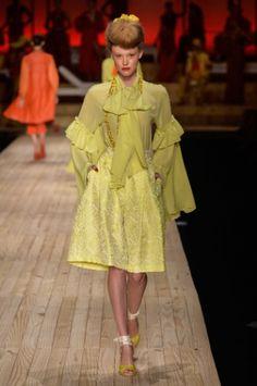Amarelo foi mais um tom usado em abundância nos looks do desfile de abertura do Minas Trend Verão 2016