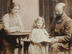 Paula Becker und Otto Modersohn, in der Mitte Ottos Tochter Elsbeth aus erster Ehe.