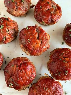 These Keto Meatloaf Muffins are basically perfectly portioned low carb meatloafs, ideal for Keto meal prep lunches. Theses savory fat bombs are mainly ground beef with pork rinds as a low carb meatloaf binder, and topped with a low carb ketchup! Fat Bombs, Healthy Muffin Recipes, Low Carb Recipes, Cooking Recipes, Healthy Meals, Healthy Food, Snack Recipes, Dessert Recipes, Yummy Food
