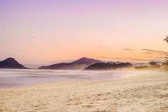 Praia da Armação - Florianópolis  by: Victória Kubiaki