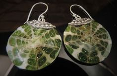 Holiday Resin Shell In Green Sparkle Ornamental Style Earrings Silver .925   233 #Handmade