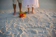 Beach wedding photo idea