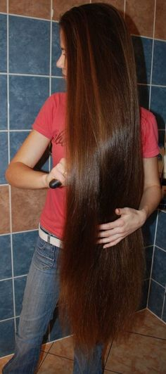 Want my hair this Long!!!!Beautiful!                                                                                                                                                                                 More