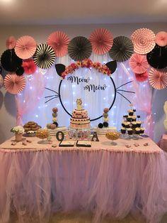 birthday party fun and decor Hello Kitty Birthday, Cat Birthday, 1st Birthday Parties, Kitten Party, Cat Party, Party Fun, Simple Birthday Decorations, Birthday Party Decorations, Cat Themed Parties
