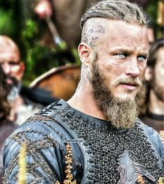 Ragnar Lothbrok from Vikings Travis Fimmel Vikingos, Vikings Travis Fimmel, Ragnar Lothbrok Vikings, Lagertha, Vikings Show, Vikings Tv Series, Viking Men, Viking Warrior, Viking Hair