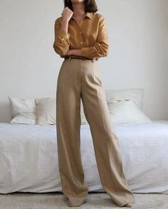 Us sommerswim for more daily inspo s o m m r s w i m minimalistic luxe swimwear by anna maria sommer oversized black blazer with white trousers and nude heels minimalisam fashion French Fashion, Look Fashion, Korean Fashion, Autumn Fashion, Vintage Fashion, 90s Fashion, Fashion Quiz, Womens Fashion, Classy Fashion