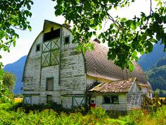 .I love old barns!