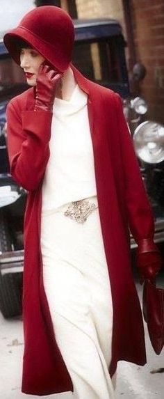 Essie Davis in 'Miss Fisher's, Murder Mysteries', 2012. Love this red hat!