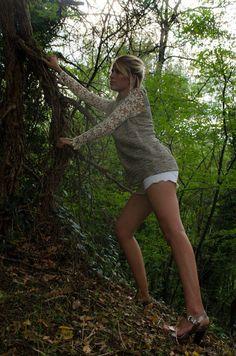 Articoli simili a Lace sleeves top su Etsy Lace Sleeves, Sweaters, Dresses, Fashion, Bead, Vestidos, Moda, Fashion Styles, Sweater