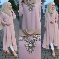 Cok sevilen ve tekrar tekrar sorulan tunigimiz 6 farkli renk olarak sitemize yüklendi Elegance 633 www.misselegance.de #hijaber #hijabis #hijab #hijabstyle #hijabtutorial #hijaboutfit #hijaboftheday #hijabinsagram #fashion #fashionblogger #fashionweek #fashionhijab #fashionhijabis #fashioinsta #sifonsal #fashioninspiration #muslimachamber #muslimfashion #style #instamode #instadaily #tunikhijab #paris #balikesir #triko #festiramazan #dortmund