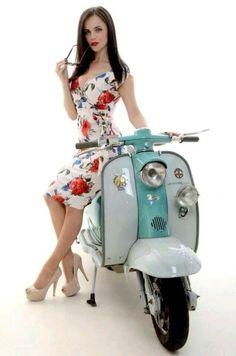 Lambretta pin up Piaggio Vespa, Lambretta Scooter, Vespa Scooters, Vintage Vespa, Vintage Cars, Vespa Girl, Scooter Girl, Scooter Motorcycle, Motorcycle Design
