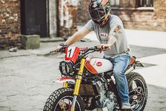The military vibe of Poland's Custom Operational Group's name is not some mere affectation designed to be cool or edgy. On the contrary, shop owner 'Piotr' is… Honda Motorcycles, Cars And Motorcycles, Street Tracker, Army Men, Super Bikes, Scrambler, Bobber, Motorbikes, Mens Fashion