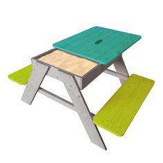 Table 4 places avec plateau amovible et bac à sable qui peut également servir de rangement central. Une bâche est prévue pour l'intérieur du bac à sable.